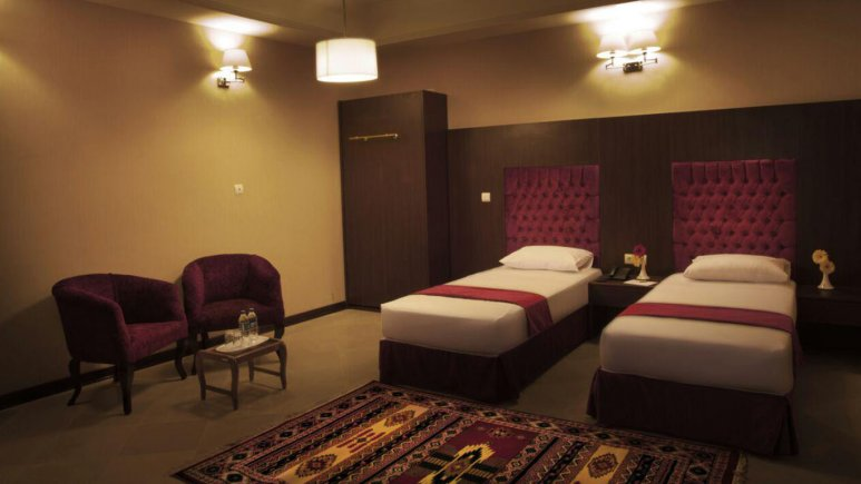 اتاق تویین هتل صادقیه