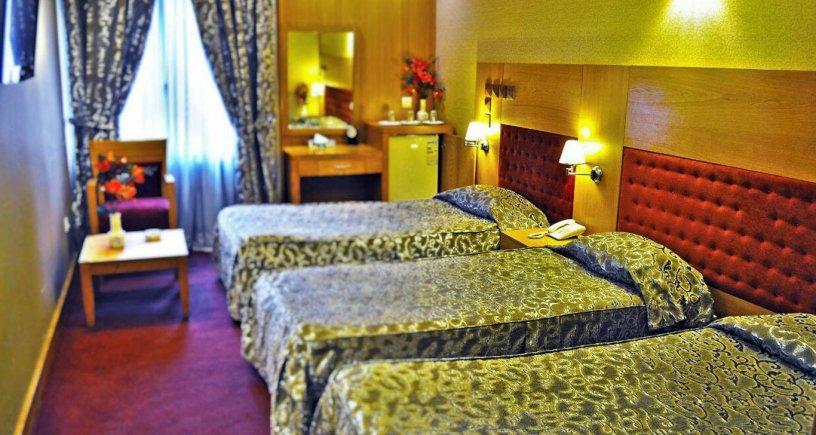 هتل مدائن مشهد اتاق سه تخته 4