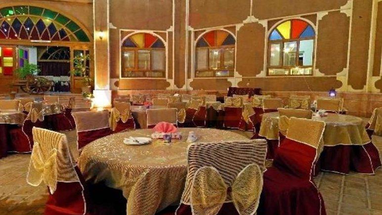 رستوران هتل سنتی عماد نظام فردوس