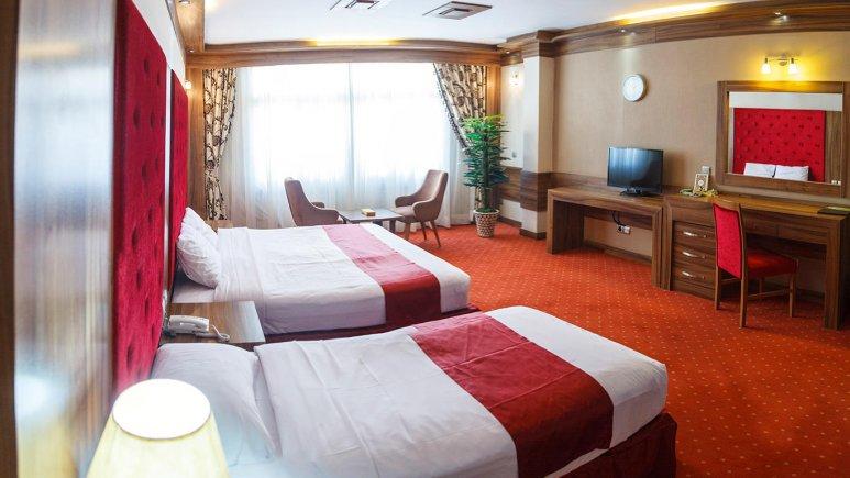 هتل خورشید تابان مشهد اتاق سه تخته 1