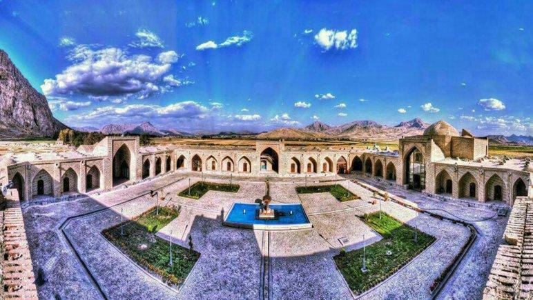 نمای بیرونی لاله بیستون کرمانشاه