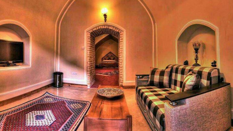 نشیمن اتاق هتل لاله بیستون کرمانشاه