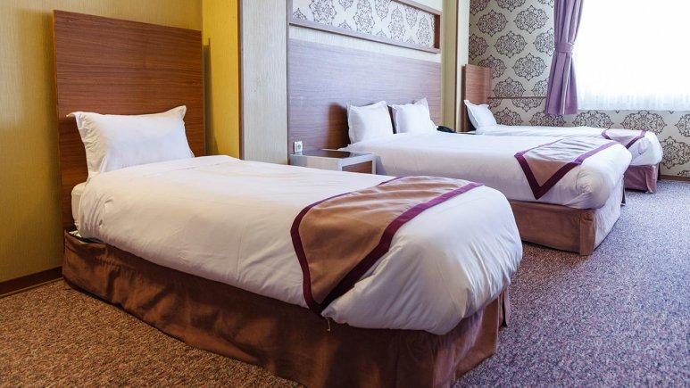 هتل آوین اصفهان اتاق چهار تخته طلایی 2