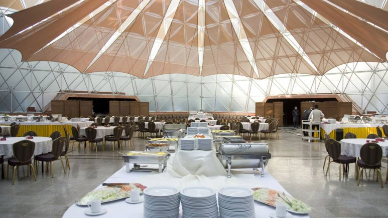 نمایی از رستوران هتل المپیک