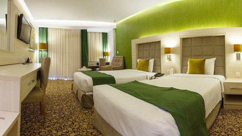 هتل پارسیان انقلاب تهران اتاق دو تخته تویین 1