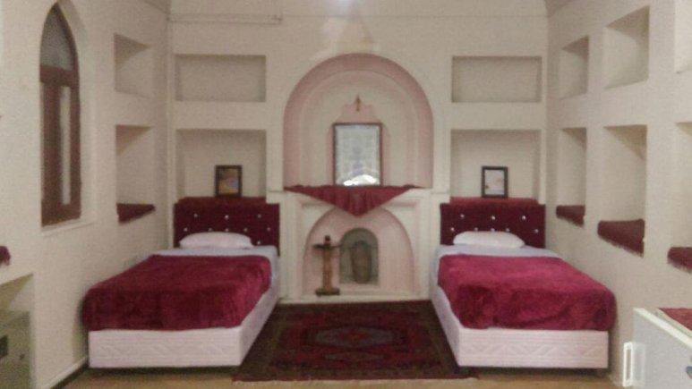 هتل ارگ تاریخی گوگد گلپایگان اتاق دو تخته تویین