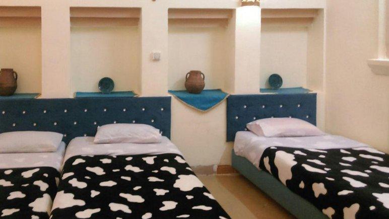 هتل ارگ تاریخی گوگد گلپایگان اتاق سه تخته