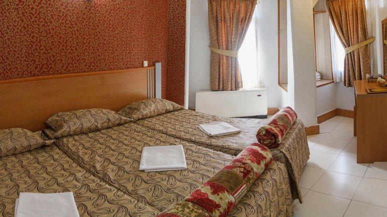 هتل بهارستان مشهد اتاق سه تخته 2