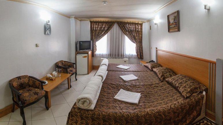 هتل بهارستان مشهد اتاق سه تخته 3