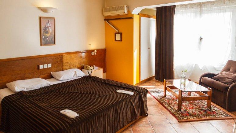 هتل آپارتمان چهل پنجره اصفهان اتاق دو تخته دابل بزرگ 1