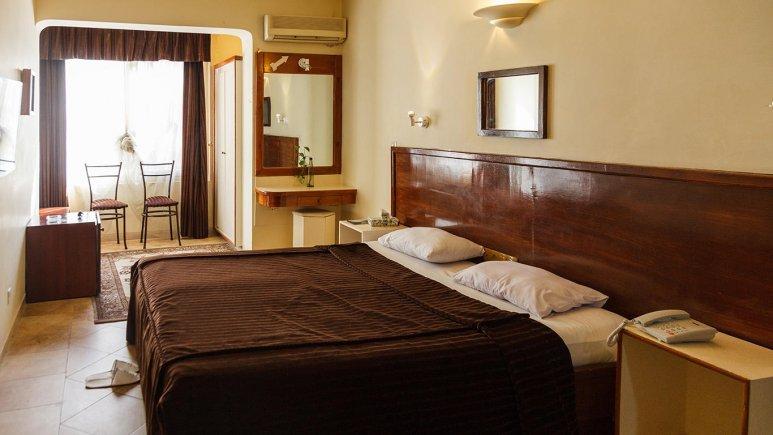 هتل آپارتمان چهل پنجره اصفهان اتاق دو تخته دابل بزرگ 2