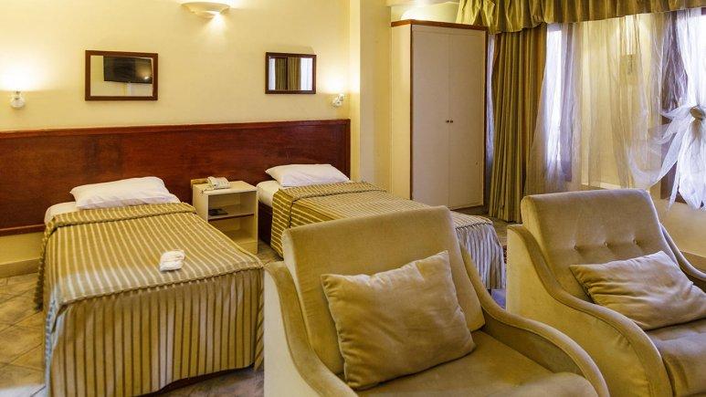 هتل آپارتمان چهل پنجره اصفهان اتاق دو تخته تویین بزرگ 2