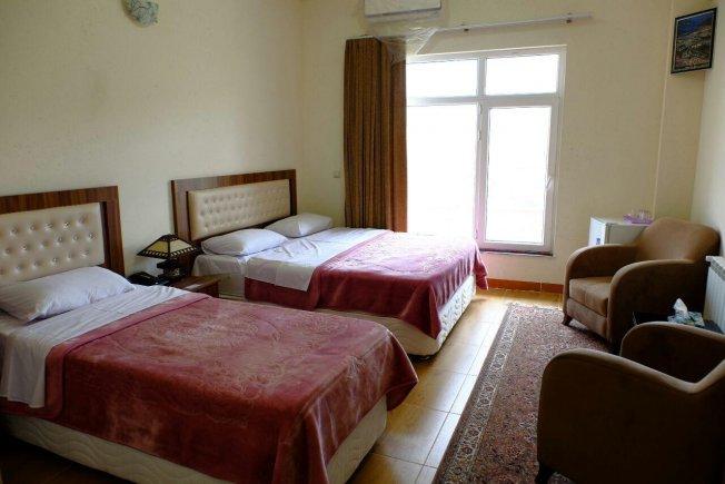 اتاق سه تخته هتل تارامهاباد