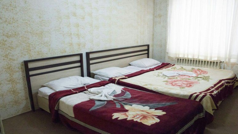 اتاق سه نخته هتل اصیلا