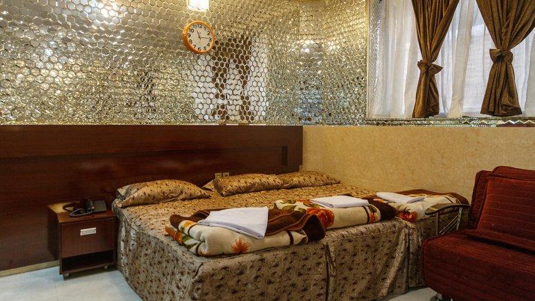 هتل آپارتمان قصر آینه اتاق سه تخته فولبرد 2