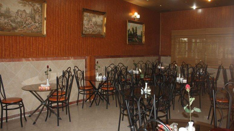 رستوران هتل کاوه
