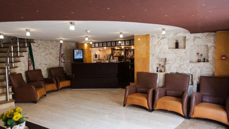 لابی هتل پارتیکان