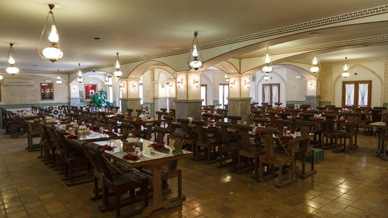 رستوران هتل پارتیکان