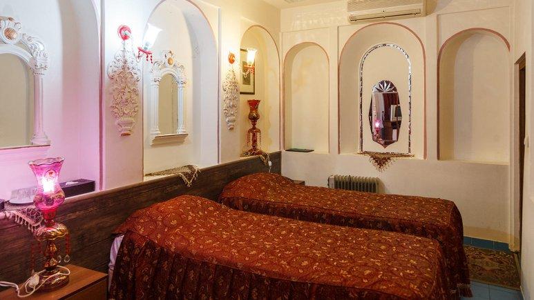 هتل سنتی اصفهان اتاق دو تخته تویین 1