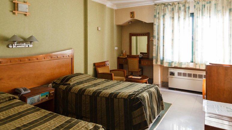 هتل آزادی اصفهان اتاق دو تخته تویین