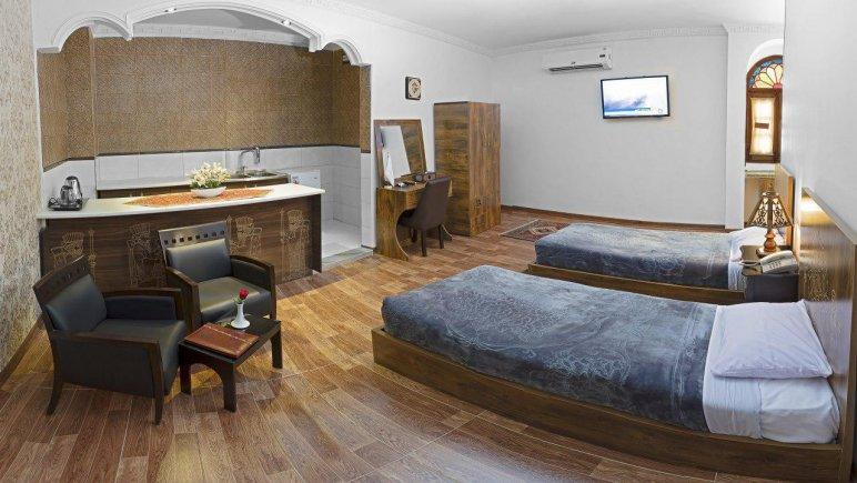 هتل فاضلی یزد سوئیت VIP پنج تخته