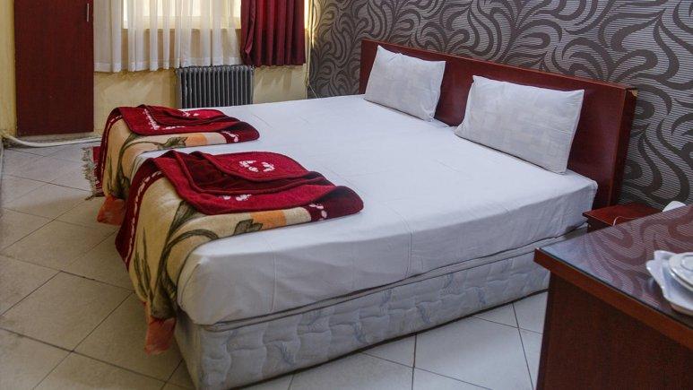 هتل آپارتمان سخاوت مشهد اتاق دو تخته فولبرد