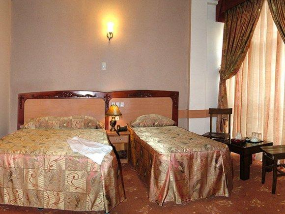 هتل پارمیدا مشهد اتاق سه تخته فولبرد