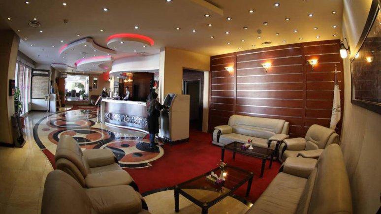 هتل پارسیا قم لابی 1