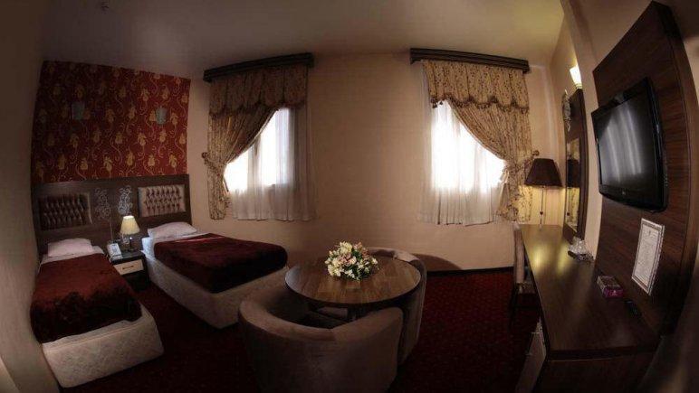 هتل پارسیا قم اتاق دو تخته تویین