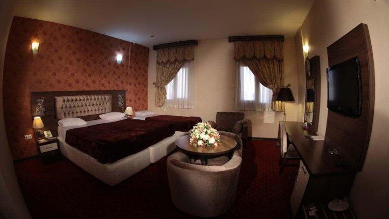 هتل پارسیا قم اتاق سه تخته 1