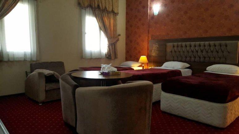 هتل پارسیا قم اتاق سه تخته 2