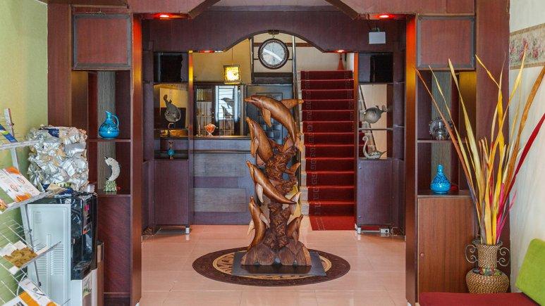 هتل فولتون قشم لابی