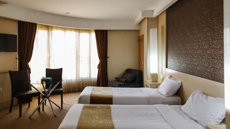 هتل سفیر اصفهان اتاق دو تخته تویین