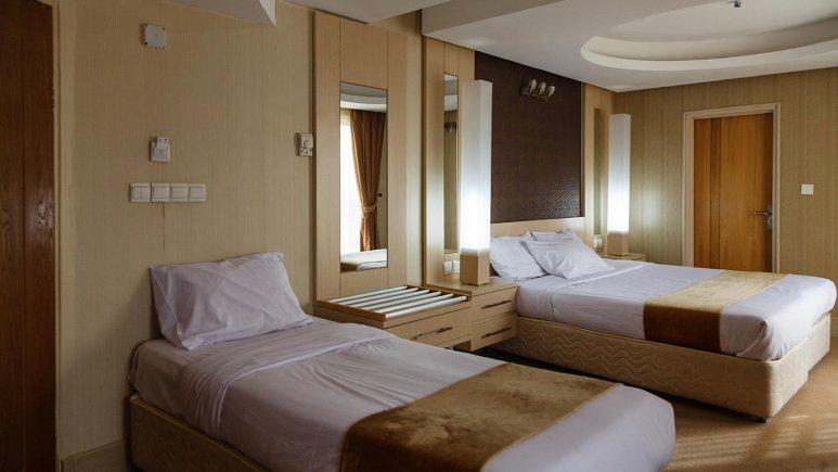 هتل سفیر اصفهان اتاق سه تخته 1