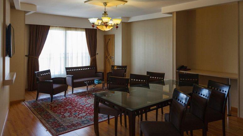 هتل سفیر اصفهان آپارتمان دو خوابه چهار تخته 1