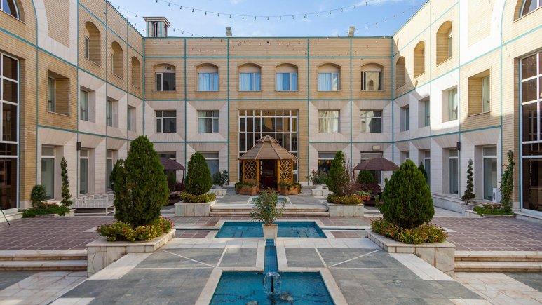 هتل قصر الضیافه مشهد نمای بیرونی 2