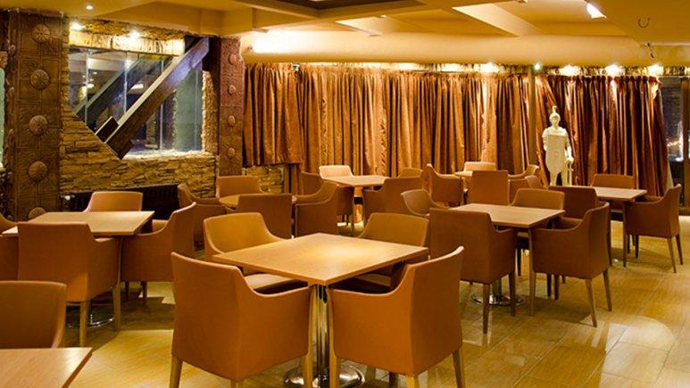 رستوران ایتالیایی هتل ستارگان