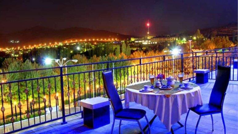 محوطه هتل زاگرس خوانسار