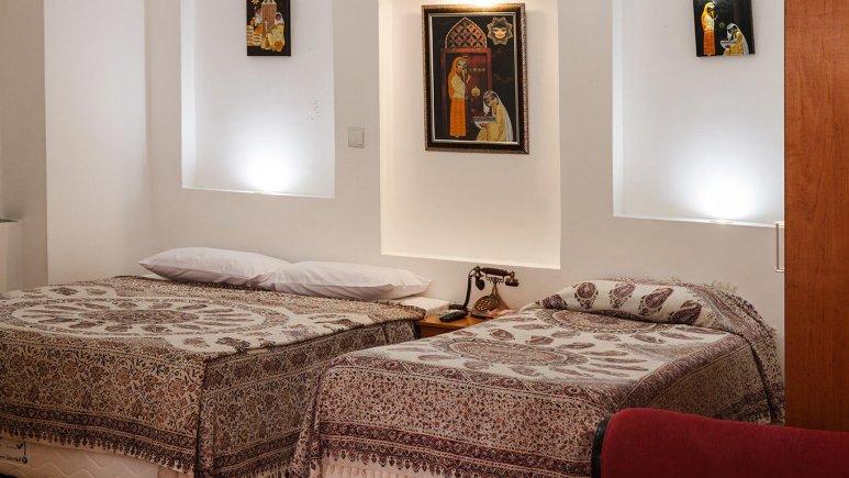 هتل طلوع خورشید اصفهان اتاق سه تخته 1