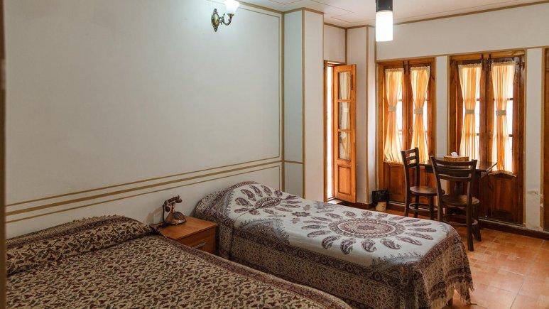 هتل طلوع خورشید اصفهان اتاق سه تخته 2