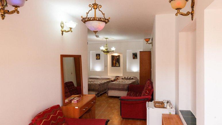 هتل طلوع خورشید اصفهان سوئیت پنج تخته