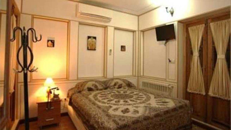 اتاق دو تخته دبل هتل سنتی طلوع خورشید