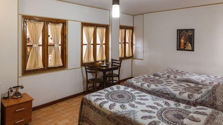 اتاق دو تخته هتل طلوع خورشید