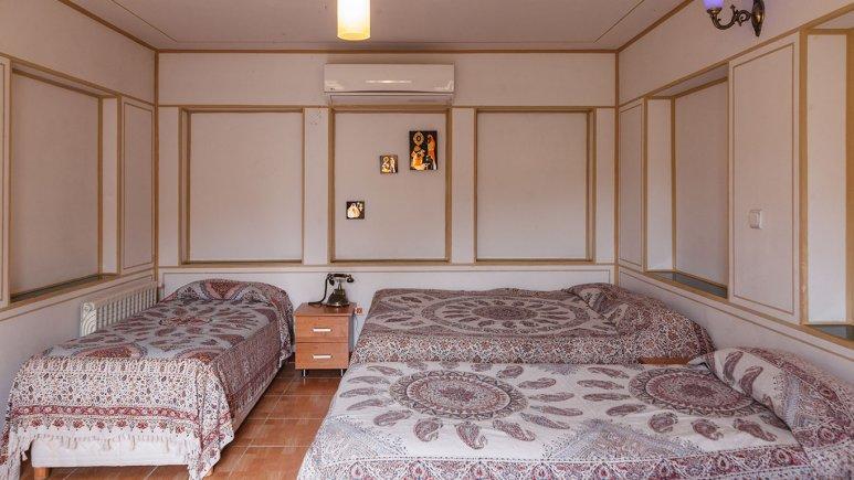 اتاق سه تخته هتل طلوع خورشید