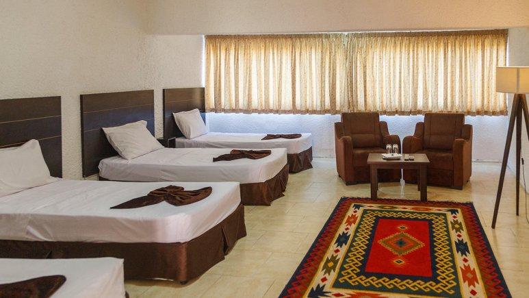 هتل گلدیس کیش اتاق چهار تخته